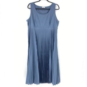 Brunello Cucinelli Navy Sleeveless Pleated Dress
